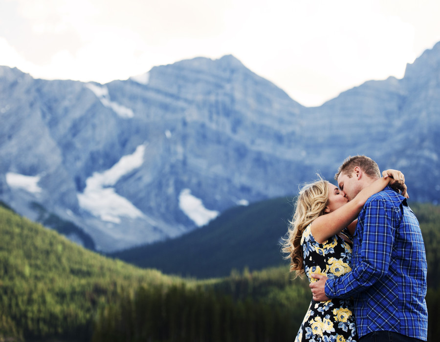 Kananaskis, Mountain engagement, Best Alberta Photographer.