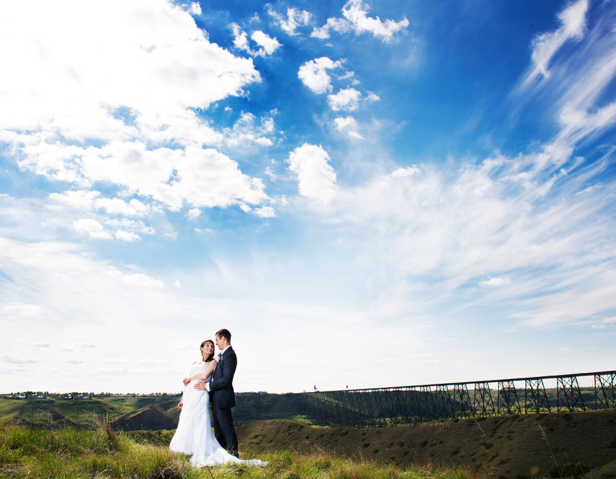 Lethbridge wedding, galt gardens, bridge, sky