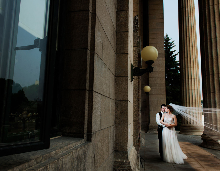 Parliament building wedding, destination wedding, winnipeg wedding photographer